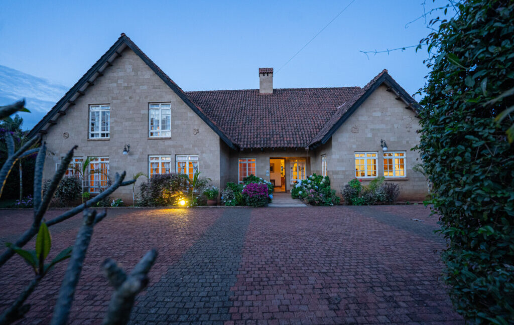 furnished-rustic-4-bedroom-house-with-mature-garden-in-runda Eden Heights Realty